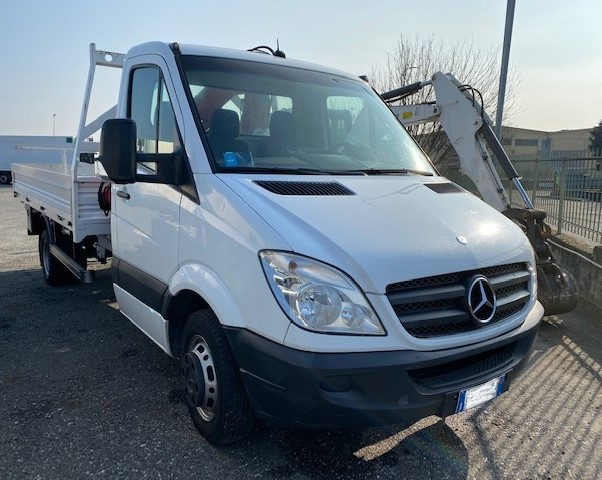Mercedes Sprinter con gru